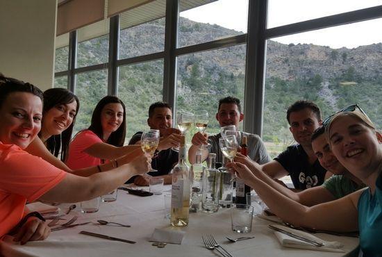 Grupo de Amigos en Restaurante La Alcuza
