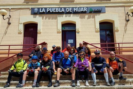 Grupo via verde en la estacion de La Puebla de Hijar