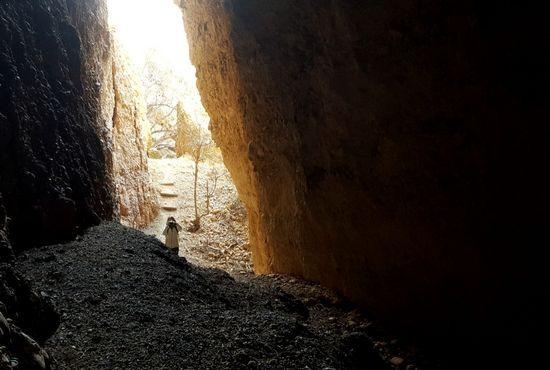 Entrando en la cueva de las chovas